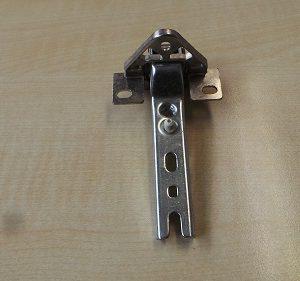 Scharnier für Kühlschrank Siemens KI18LE1/03  GEBRAUCHT